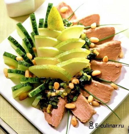 Готовое блюдо Салат из говядины с грушей