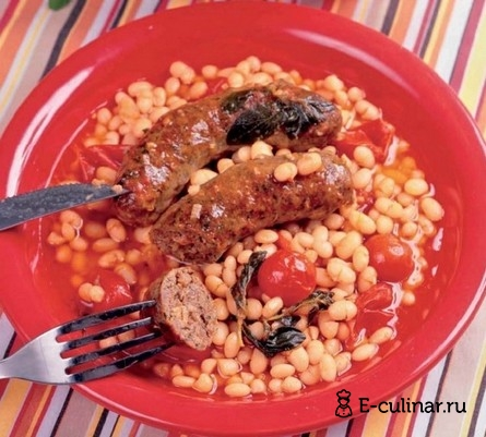 Готовое блюдо Белая фасоль с колбасками