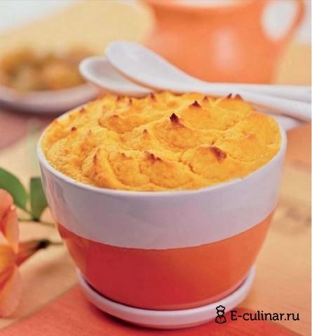Готовое блюдо Пудинг из моркови с изюмом