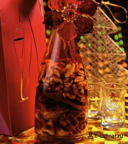 Готовое блюдо Коньяк с орехами и фруктами