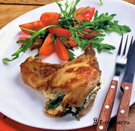 Готовое блюдо Свиной шницель с брынзой и шпинатом