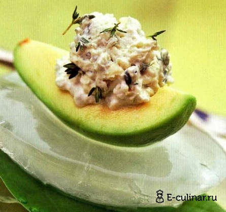 Готовое блюдо Авокадо с пикантным сыром
