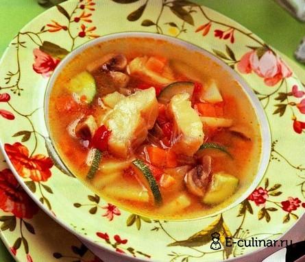 Готовое блюдо Суп с рыбой, грибами и овощами