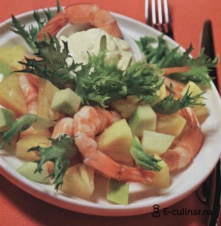 Готовое блюдо Салат с креветками и ананасами