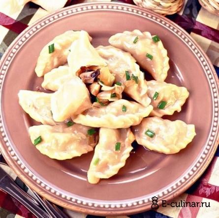 Готовое блюдо Вареники с капустой и грибами