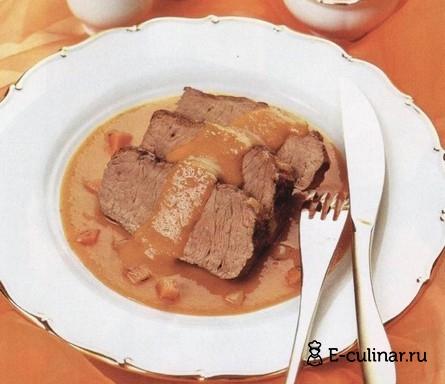 Готовое блюдо Кусочки говядины с соусом из моркови и лука