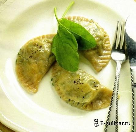 Готовое блюдо Вареники с творогом и шпинатом