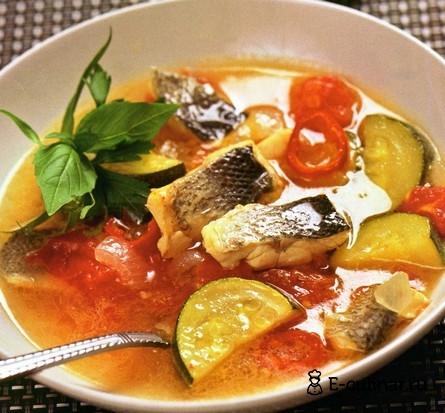 Готовое блюдо Рыбный суп с цуккини