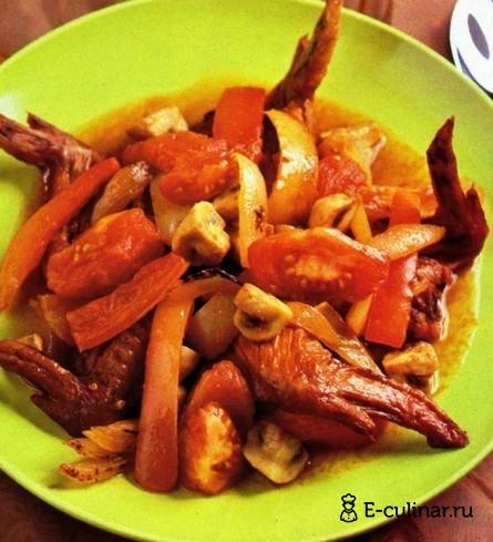 Готовое блюдо Грибное рагу с крылышками цыпленка