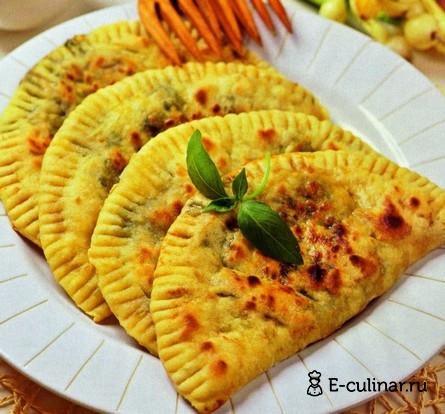 Готовое блюдо Пирожки с зеленой начинкой