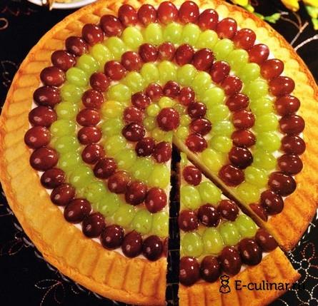 Готовое блюдо Торт с виноградом