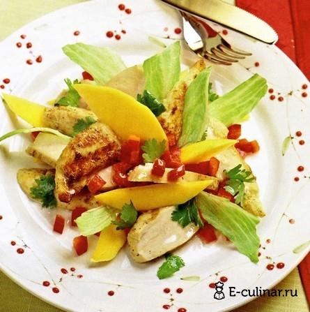Готовое блюдо Салат с курицей и манго