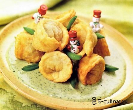 Готовое блюдо Жареные пельмени с фасолью и пореем