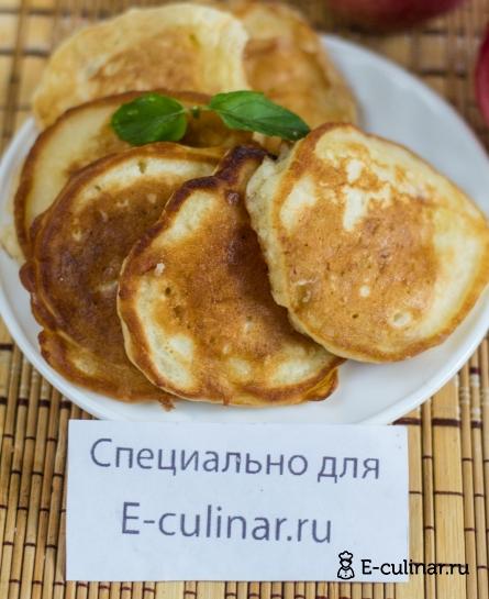 Готовое блюдо Оладьи с яблоками