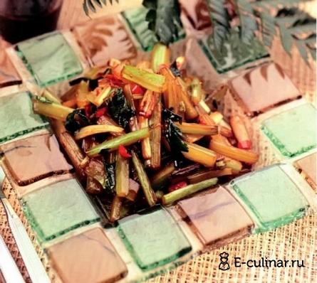 Готовое блюдо Острый жареный сельдерей