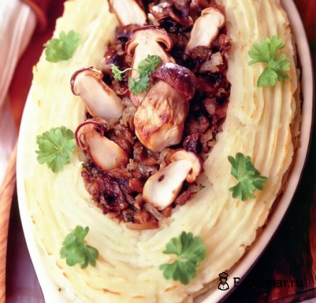 Готовое блюдо Картофельная запеканка с грибной начинкой