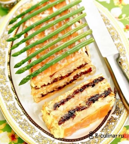 Готовое блюдо Слоеный торт рыбный