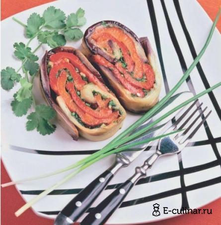 Готовое блюдо Рулет из баклажанов со сладким перцем