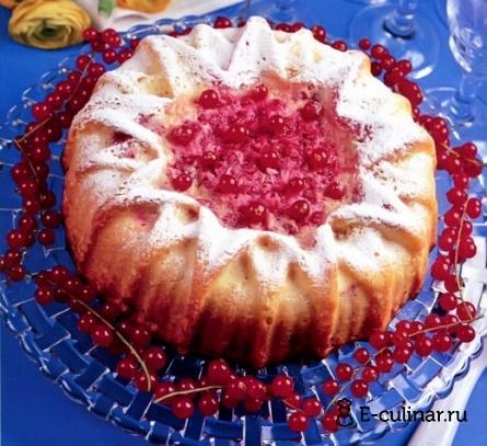 Готовое блюдо Бисквит с красной смородиной