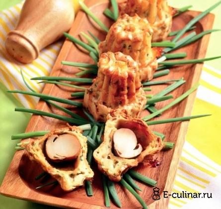 Готовое блюдо Эклеры из заварного теста с белыми грибами
