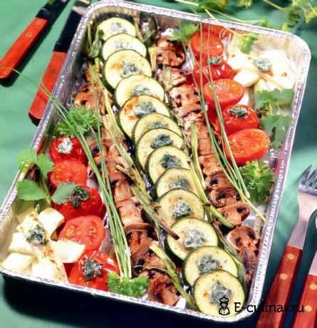 Готовое блюдо Овощи с брынзой и грибами