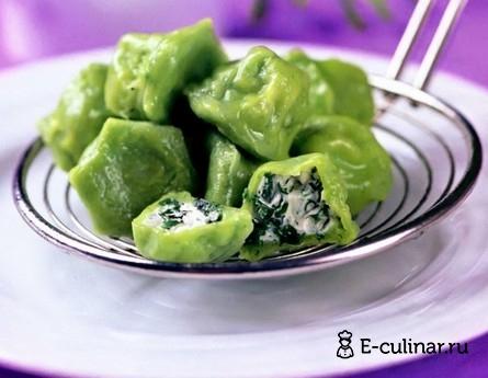 Готовое блюдо Зеленые пельмени с творогом и зеленью