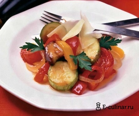 Готовое блюдо Овощное рагу с пармезаном