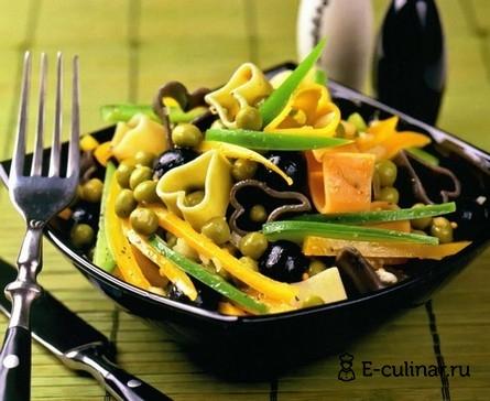 Готовое блюдо Овощной салат с макаронами