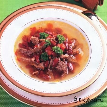 Готовое блюдо Суп из фасоли со свежими помидорами
