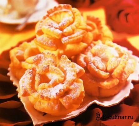 Готовое блюдо «Розы» в сахарной пудре