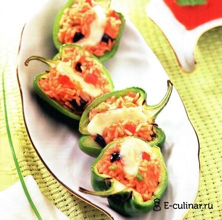 Готовое блюдо Зеленый перец с овощной начинкой