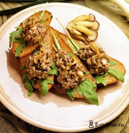 Готовое блюдо Закуска «Грибная икра на чесночных тостах»