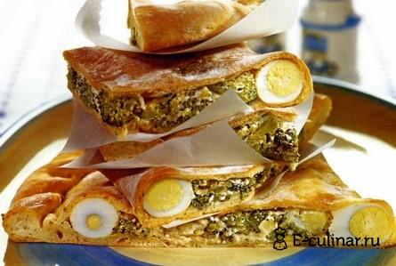 Готовое блюдо Кальцоне с брокколи и перепелиными яйцами