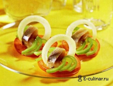 Готовое блюдо Закуска из сельди и помидоров