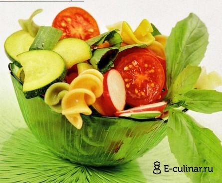 Готовое блюдо Салат с цукини и макаронами