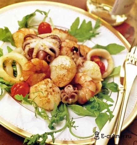Готовое блюдо Ассорти из морепродуктов в чесночно-оливковом соусе