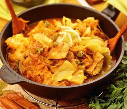 Готовое блюдо Рыбная солянка на сковороде